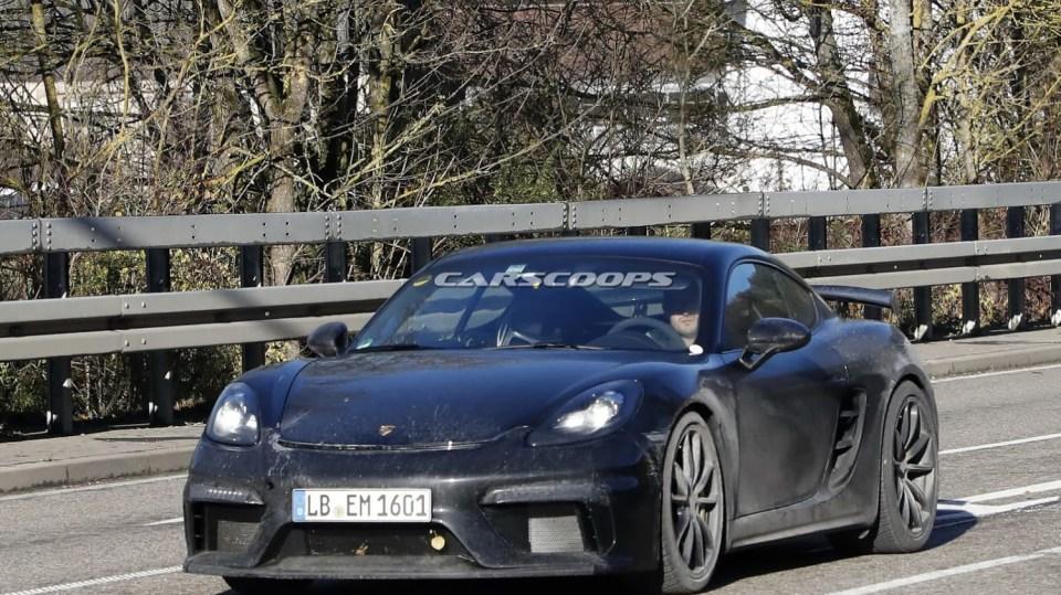Porsche 718 Cayman GT4 1