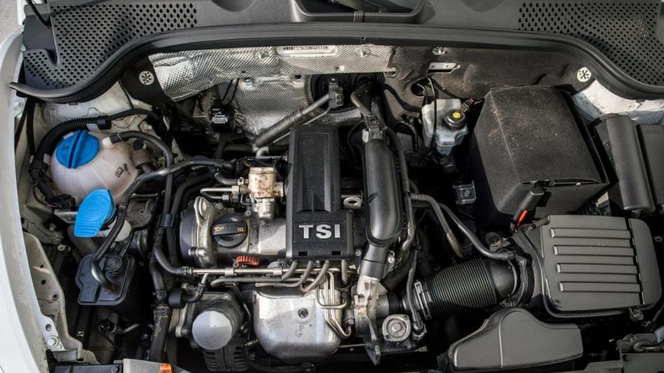 Volkswagen Beetle 1.2 TSI interiér 2