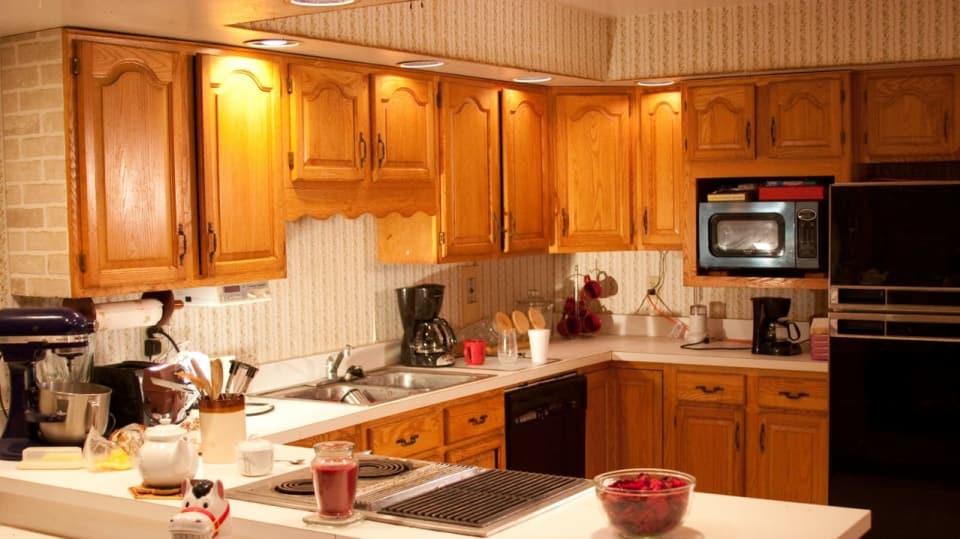 Po krk v odpadcích- úspěšně uklizená kuchyně