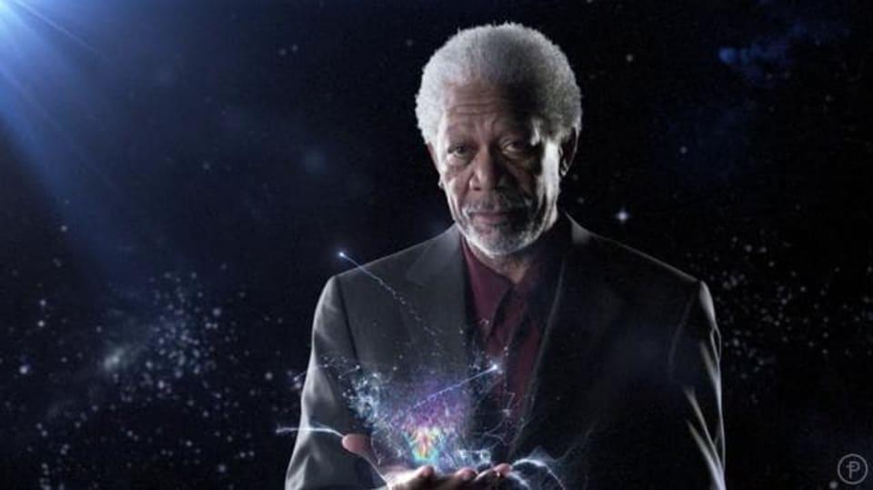 Morgan Freeman: Do červí díry