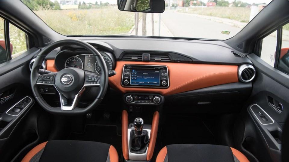 Nissan Micra 0.9 IG-T interiér 9