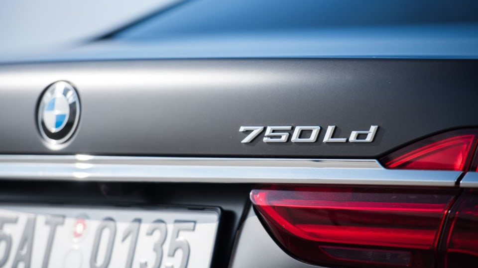 BMW 750Ld je limuzína za 4 miliony 11