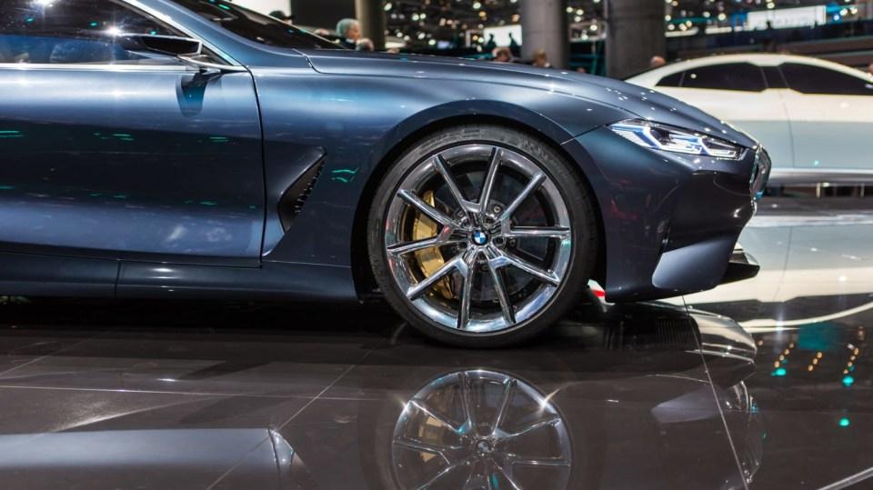 Působivé koncepty BMW na stánku ve Frankfurtu 16