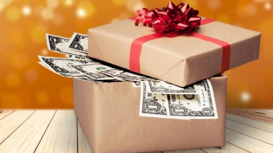 Nebojte se na Vánoce darovat peníze!