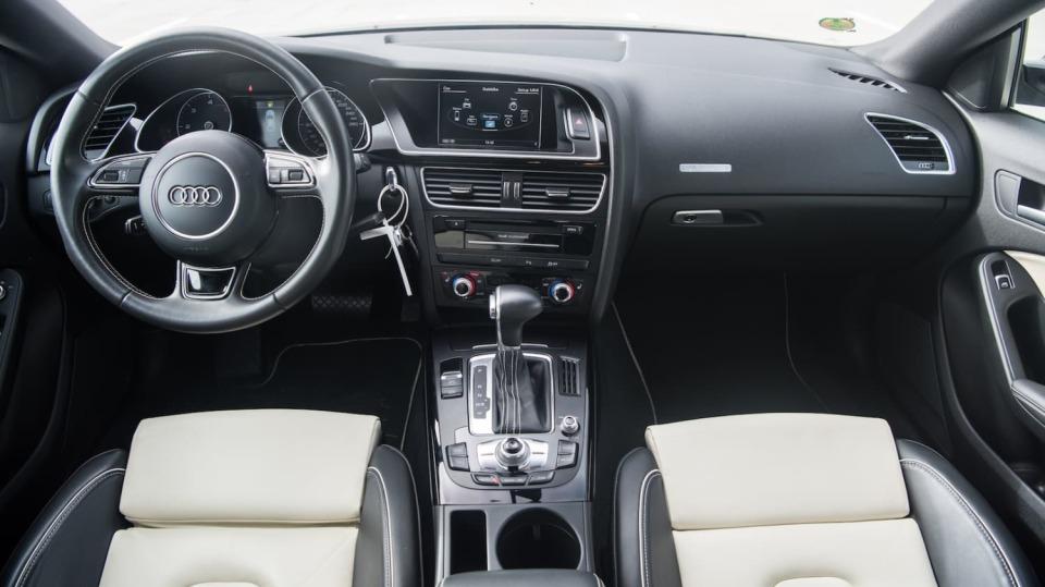 Audi A5 Sportback 2.0 TDI interiér 6
