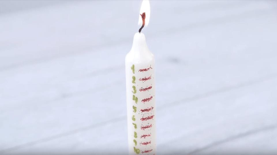 Adventní svíčka vás přiblíží k Vánocům...