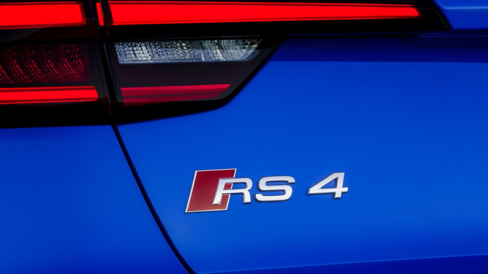 Audi RS4 Avant 16