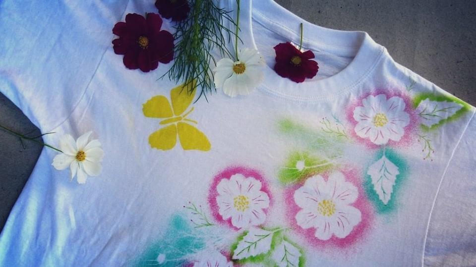 Rozkvetlé tričko aneb Pohrajte si s foukacími fixy 12