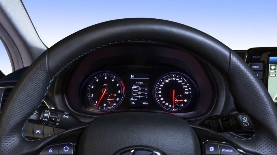 Prohlédněte si ostrý hatchback Hyundai i30 N do detailu. 10