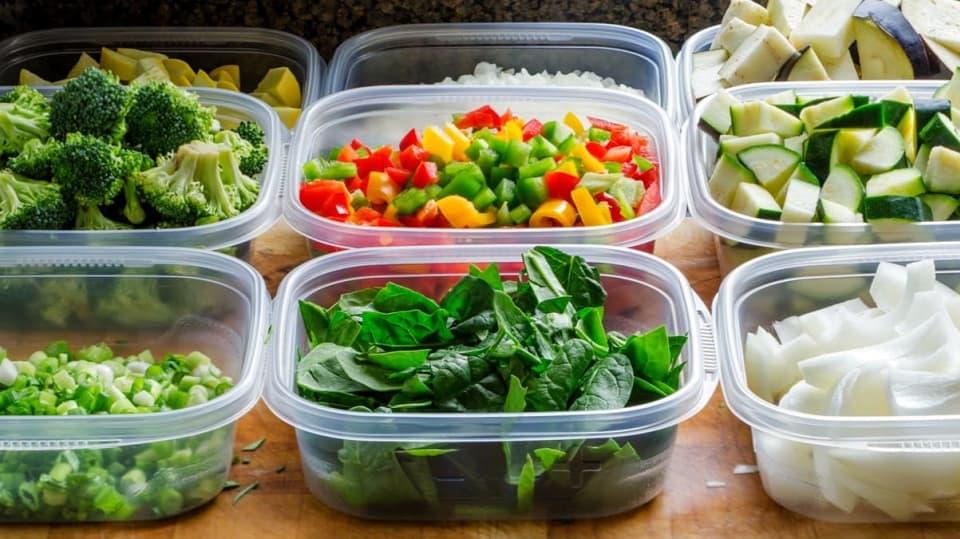 Zeleninu zmrazujte v omyvatelných krabičkách