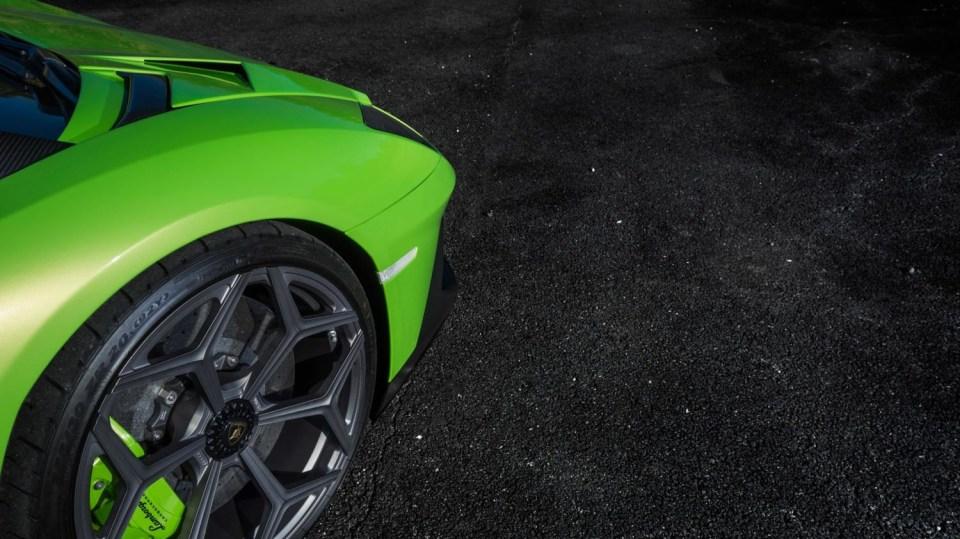 Lamborghini Aventador LP 750-4 SV Roadster od Novitec 24