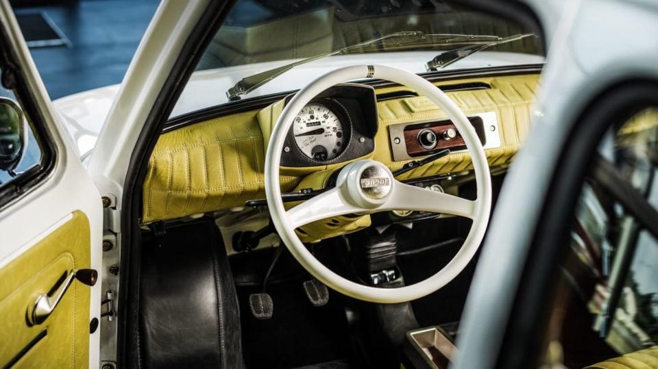 Polski Fiat 126p pro Toma Hankse 4