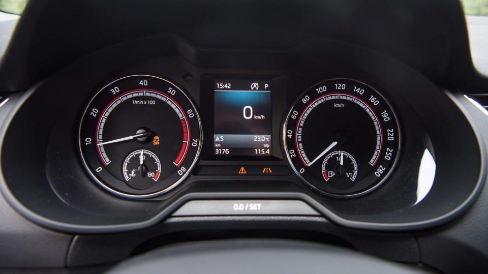 Nová Škoda Octavia RS 245 hezky zblízka. 11