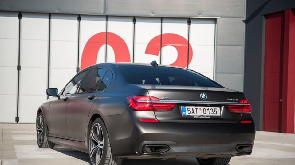 BMW 750Ld je limuzína za 4 miliony 4