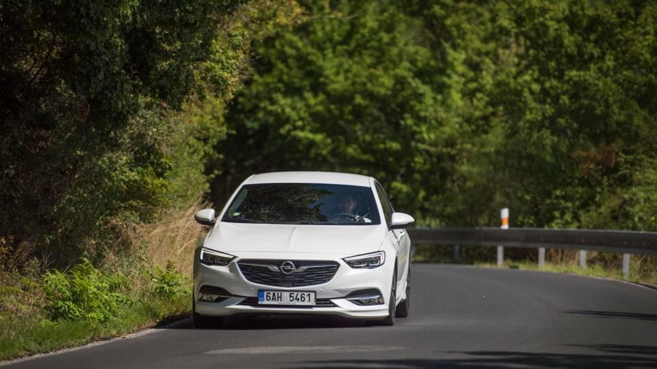 Opel Insignia Grand Sport 2.0 Turbo 4x4 jízda 2