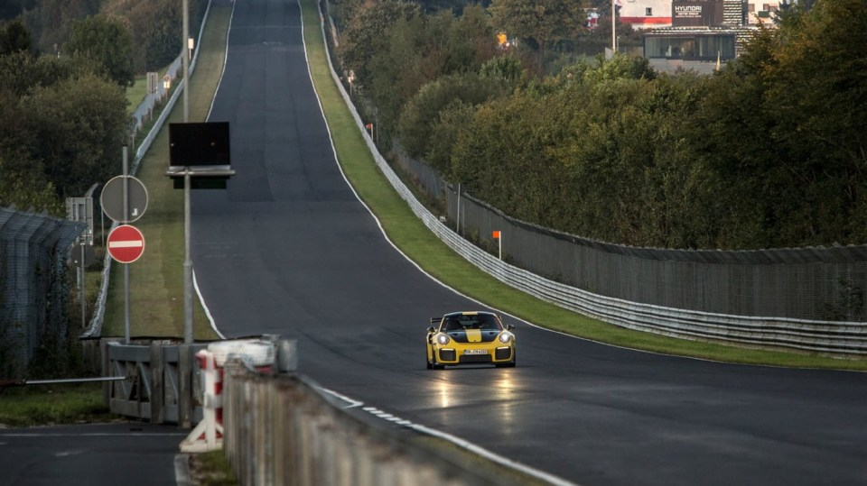 Porsche 911 GT2 RS 6