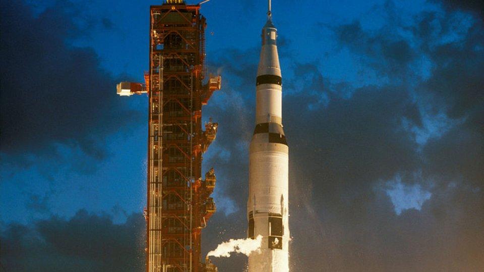 Start Apolla 4