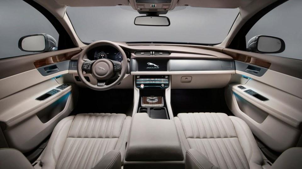 Jaguar XF Sportbrake, sportovní rodinný kombík 9