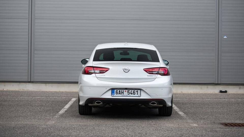 Opel Insignia Grand Sport 2.0 Turbo 4x4 exteriér 9