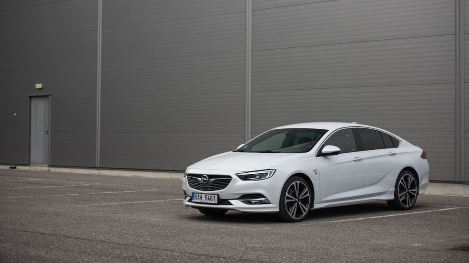 Opel Insignia Grand Sport 2.0 Turbo 4x4 exteriér 2