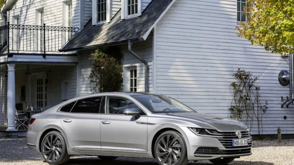 Volkswagen Arteon už si můžete koupit 7