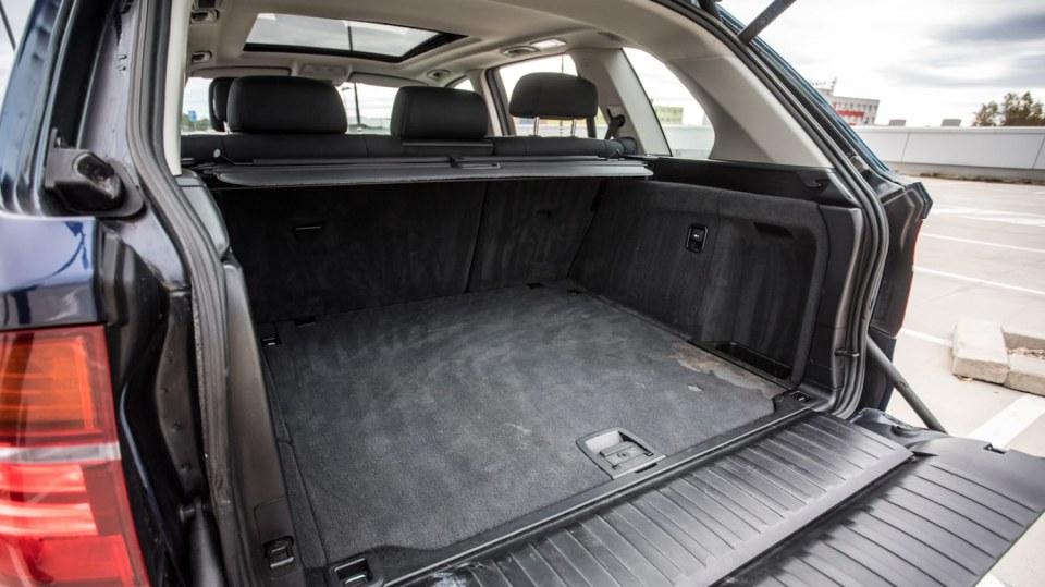 BMW X5 xDríve30d interiér 16