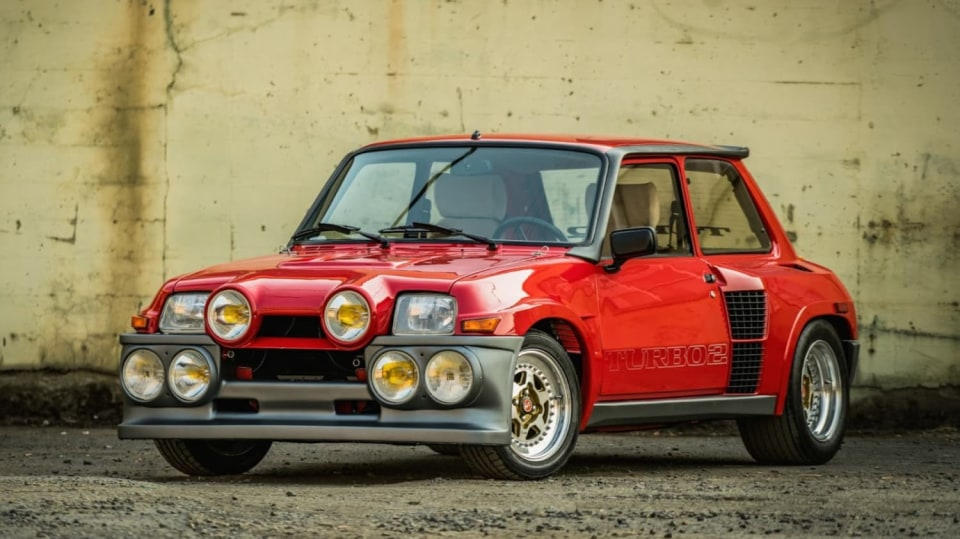 Renault 5 Turbo ve vzácné verzi Evolution. 3