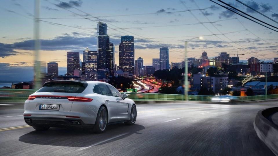 Porsche Panamera Turbo S E-Hybrid Sport Turismo 5
