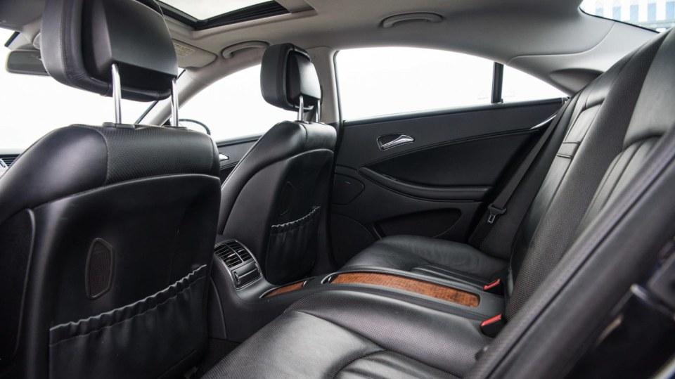 Mercedes-Benz CLS 320 CDI interiér 9