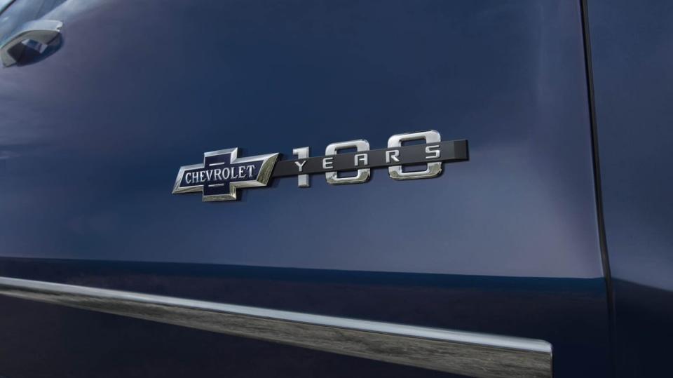 Chevrolet Colorado a Silverado ve výroční edici Centennial. 8