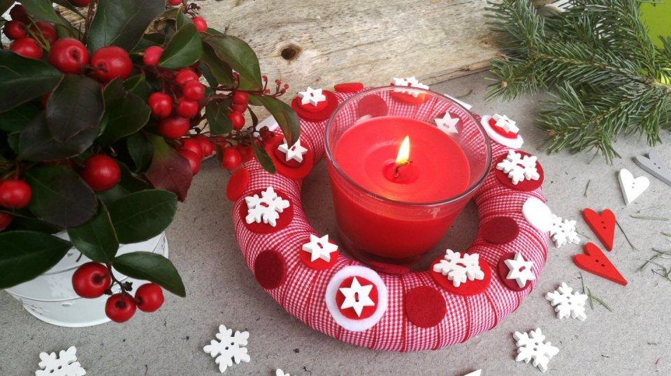 Vánoční věnec můžete použít na několik způsobů