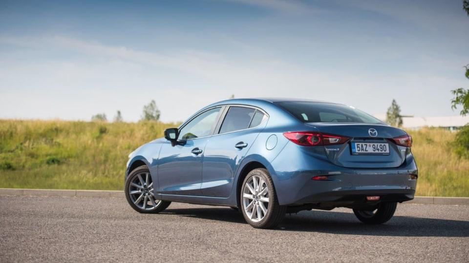 Mazda 3 má sportovní ambice. 12