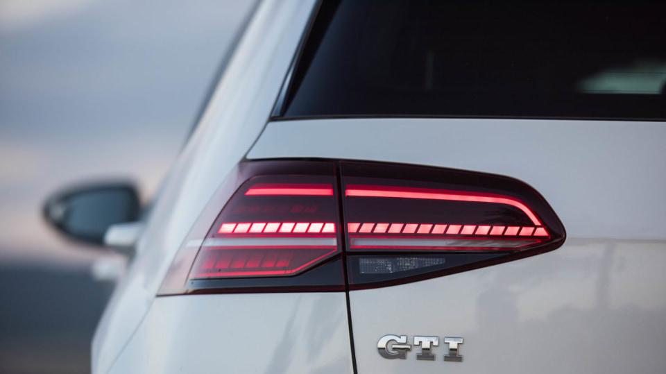 Volkswagen Golf GTI exteriér 9