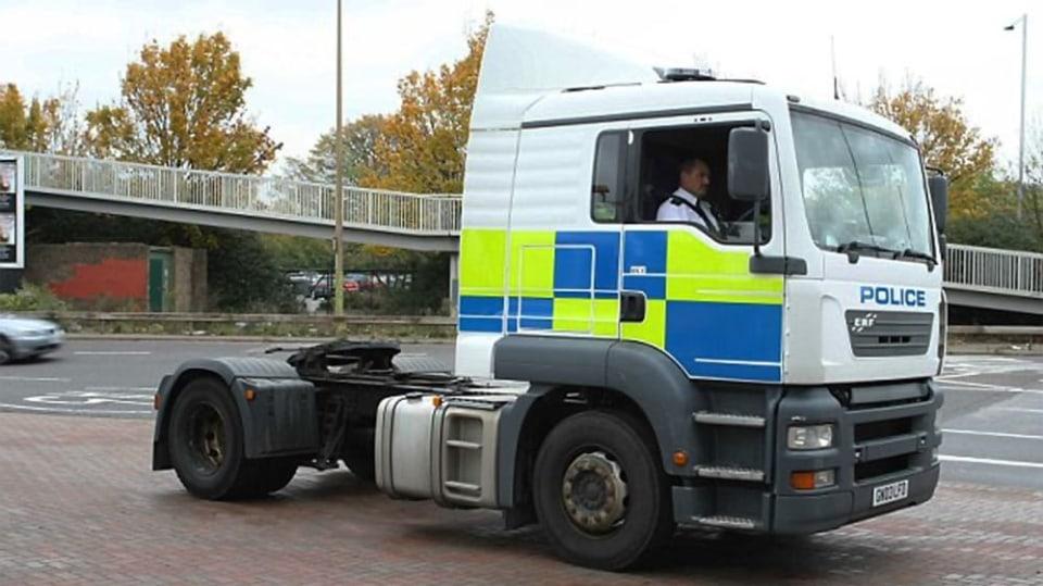 Řidiče kamionů hlídají maskované policejní tahače 10
