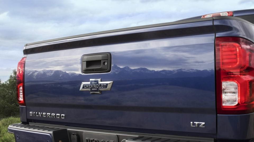 Chevrolet Colorado a Silverado ve výroční edici Centennial. 5