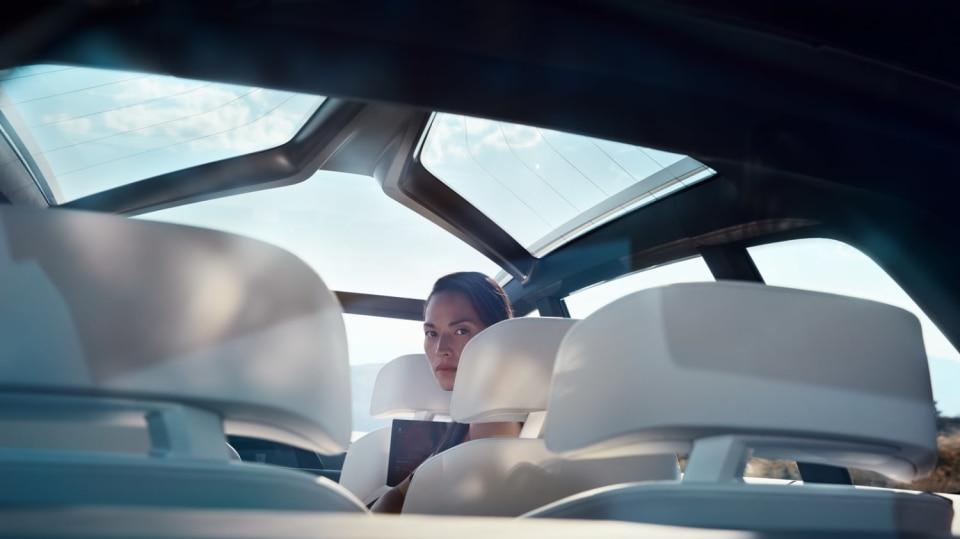 BMW Concept X7 iPerformance 2
