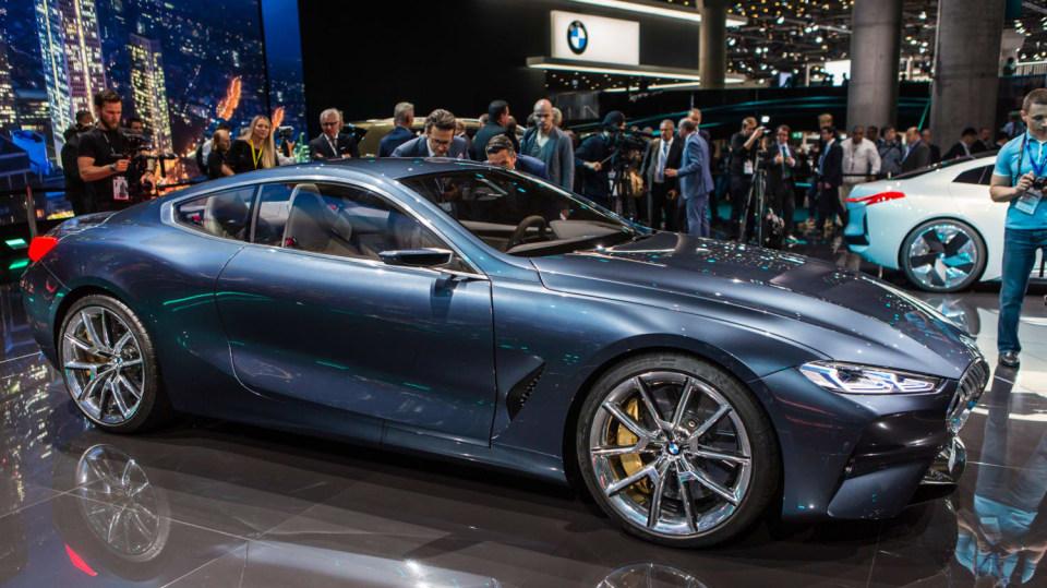 Působivé koncepty BMW na stánku ve Frankfurtu 17