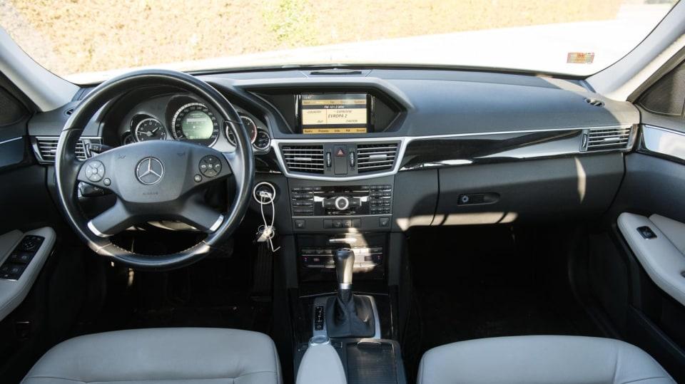 Mercedes-Benz E220 CDI interiér 7