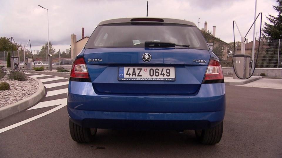 Bestseller Škoda Fabia - proklepneme všechny tři generace! 5