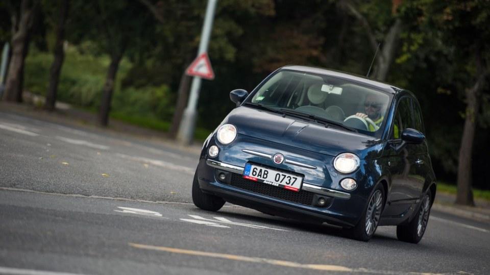 Fiat 500 1.4 16v ve městě 13