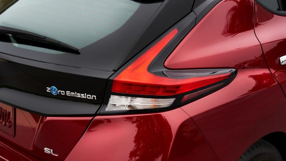 Nový Nissan Leaf je tu. Vypadá dobře a ujede 380 km! 6