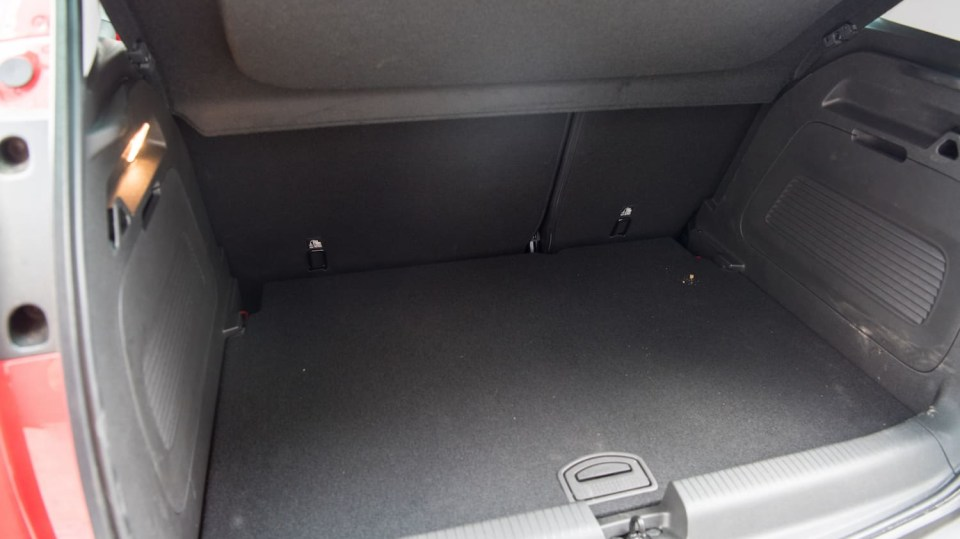 Opel Crossland X interiér 13