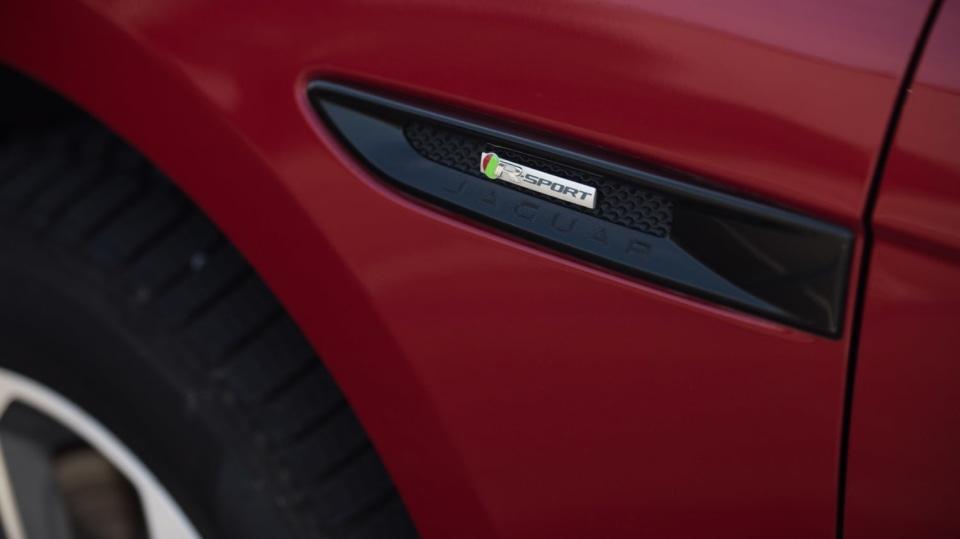 Testovali jsme luxusní Jaguar F-Pace 11