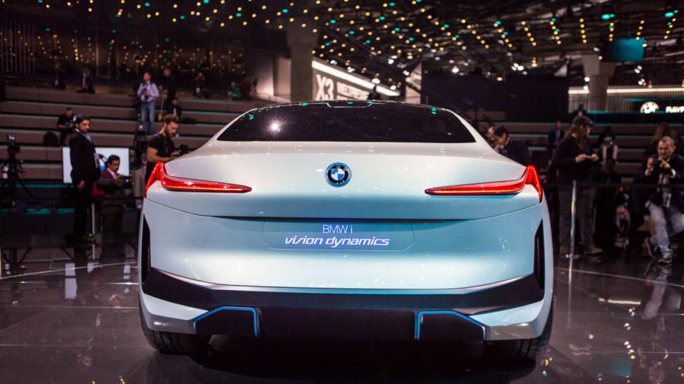 Působivé koncepty BMW na stánku ve Frankfurtu 22