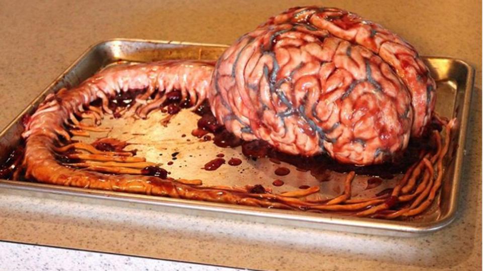 Zdravotní sestra vytváří děsivé dorty 14