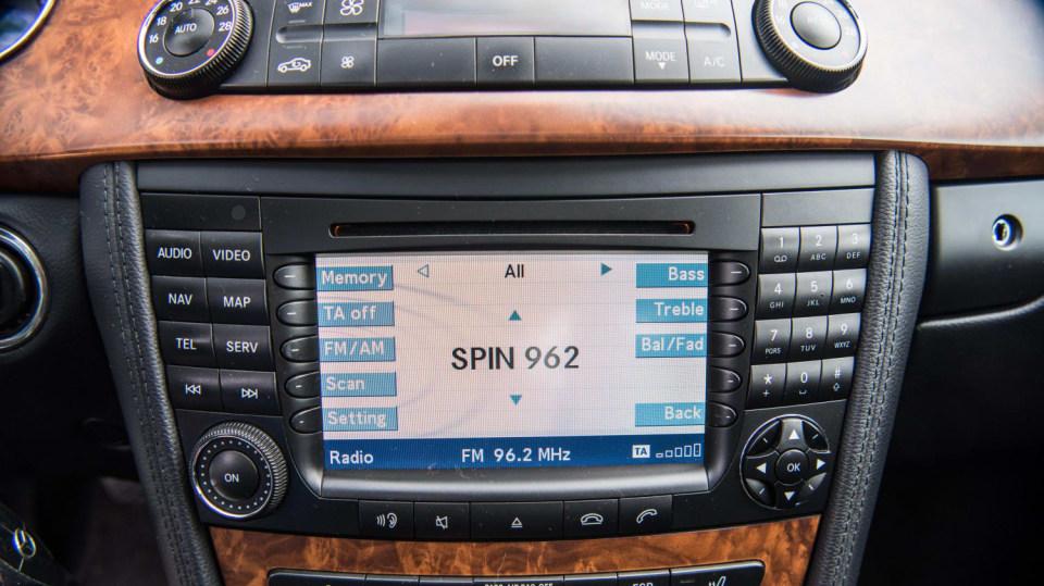 Mercedes-Benz CLS 320 CDI interiér 6