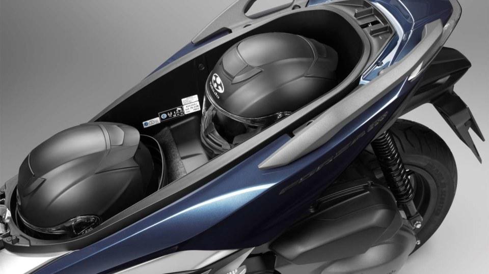 Honda Forza 300 detail