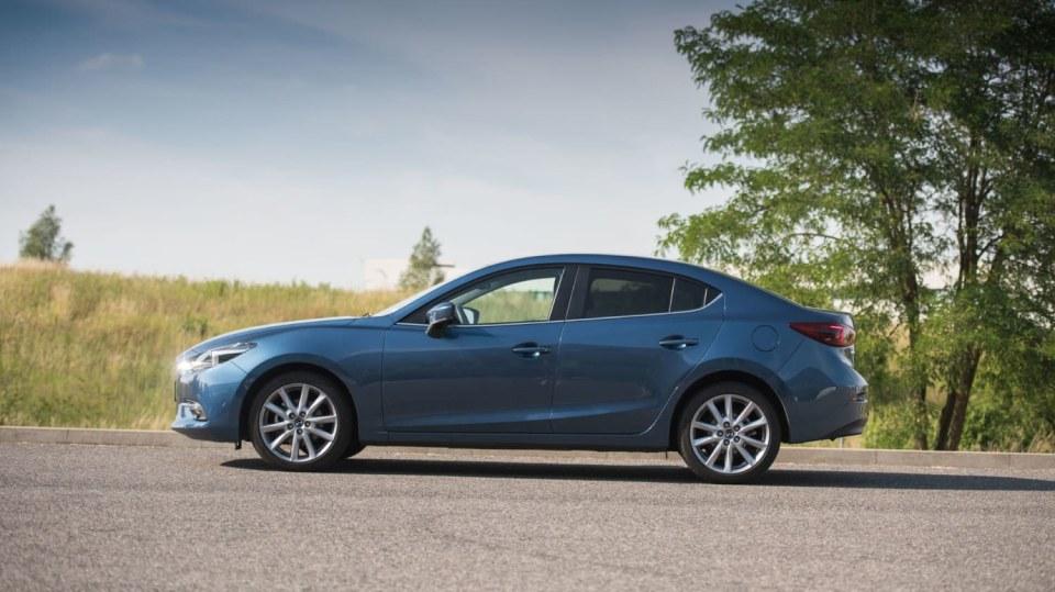 Mazda 3 má sportovní ambice. 13
