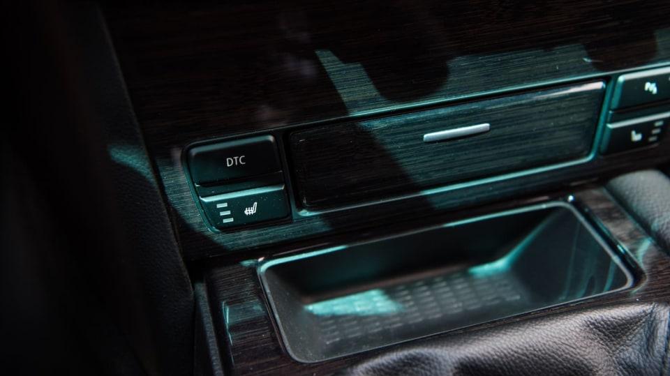 BMW 530i E60 interiér 11