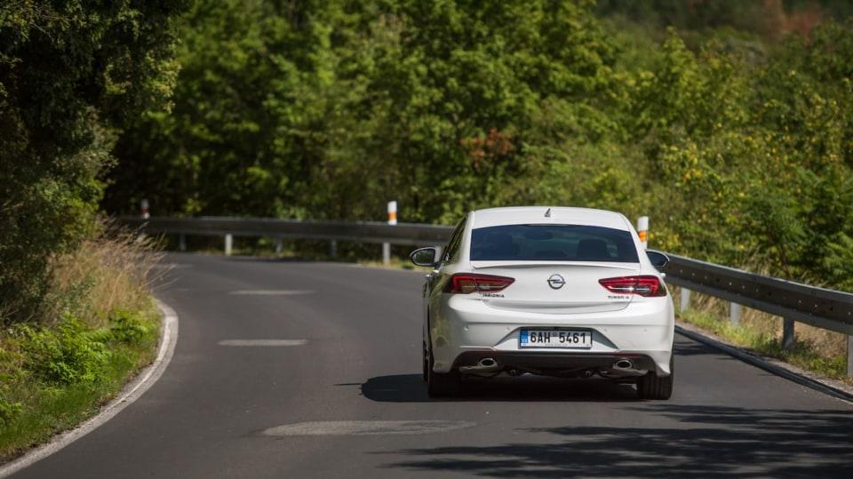 Opel Insignia Grand Sport 2.0 Turbo 4x4 jízda 1